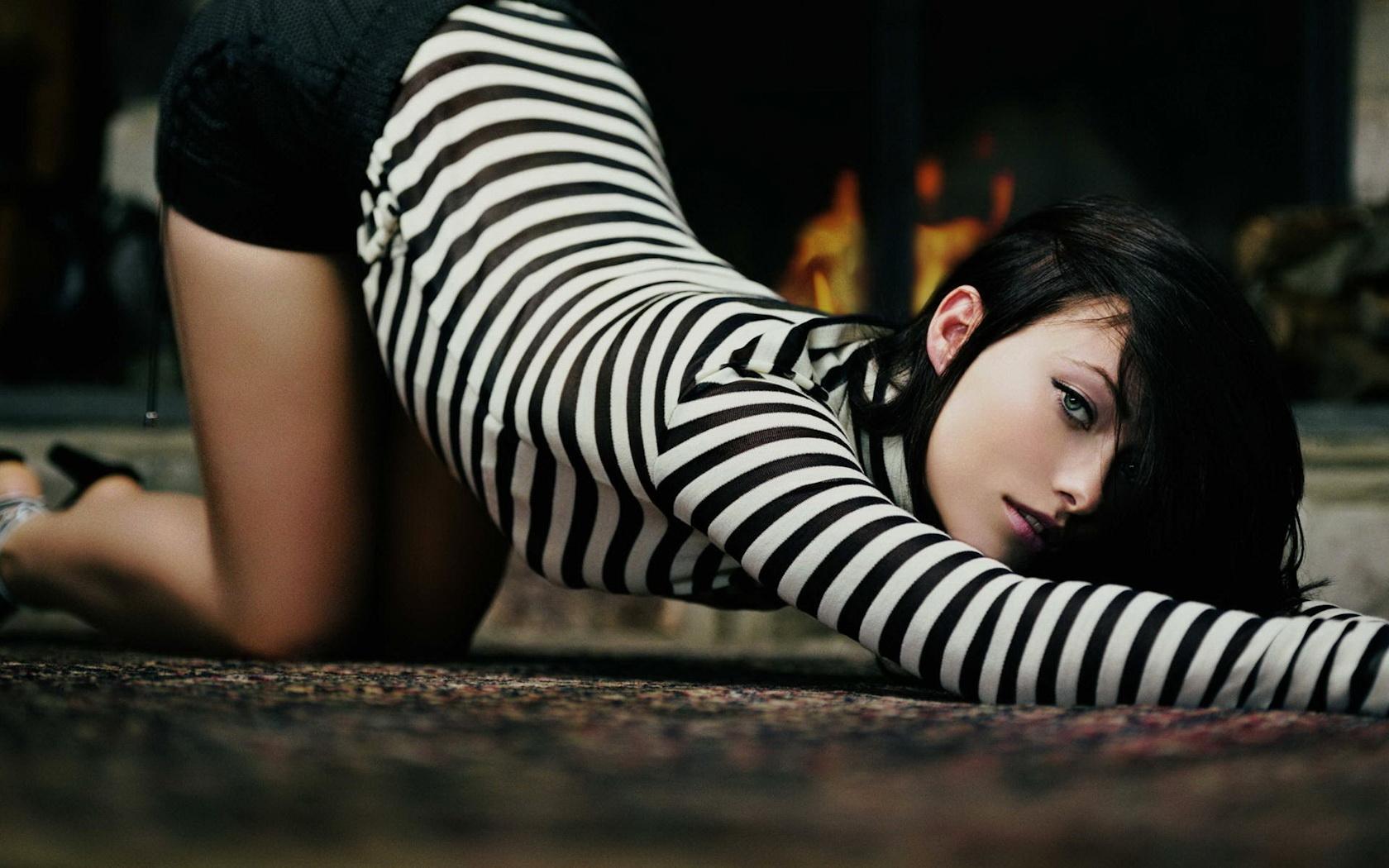 Сексуальная девушка в тельняшке 11 фотография